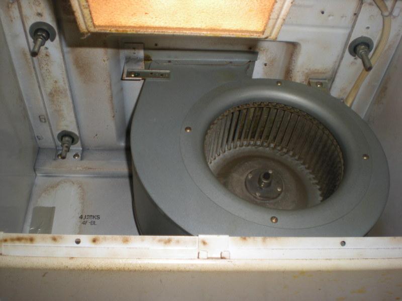 八尾市マンションで換気扇クリーニング