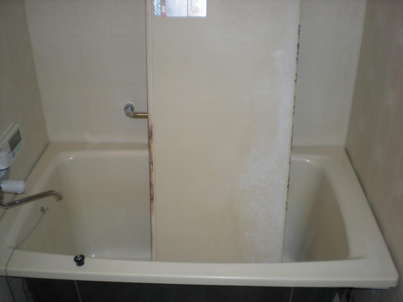 柏原市マンションでお風呂掃除