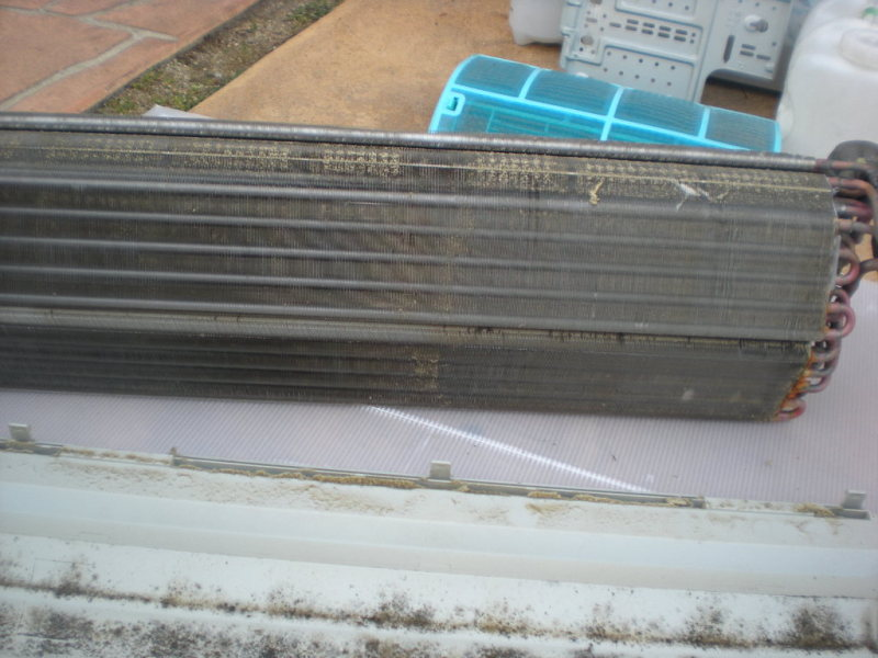 日立・三菱(霧ヶ峰) の取り外し完全分解クリーニング