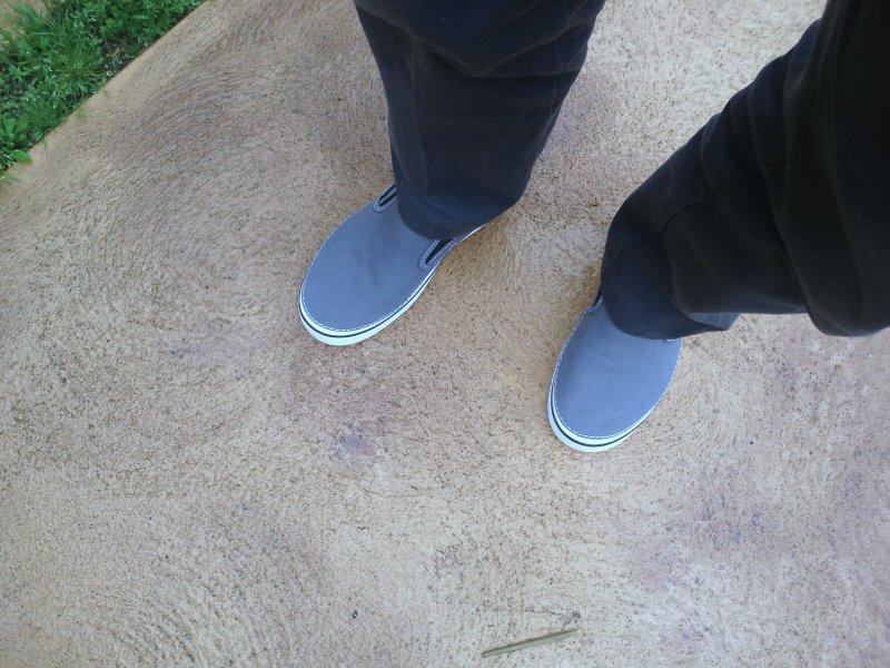 新しい作業靴