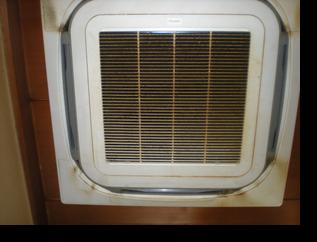 業務用エアコン分解クリーニング 洗浄前